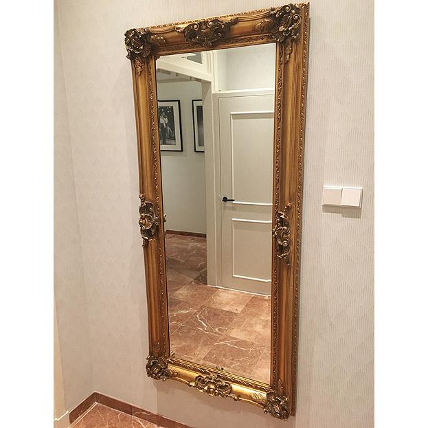 wand spiegel in antiek goud
