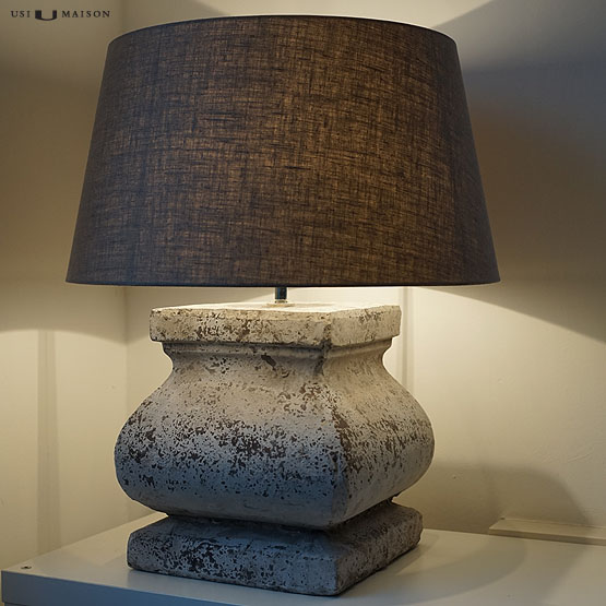 Tafellamp raijua keramieke voet en stoffen lampenkap usi maison - Grote tafellamp ...