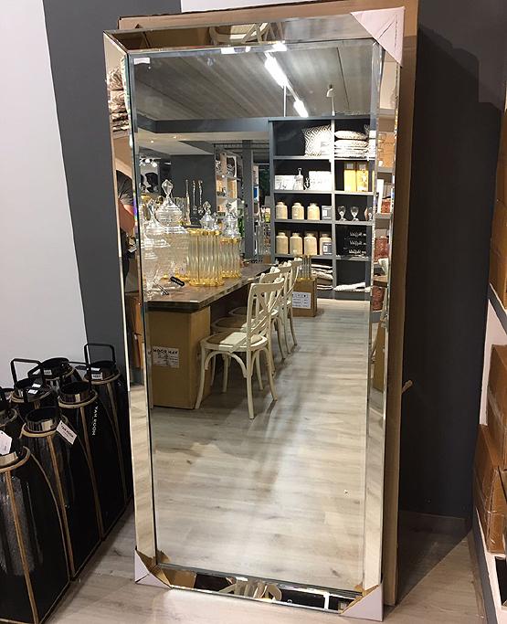 Moderne spiegel pearl met spiegellijst usi maison for Grote spiegel