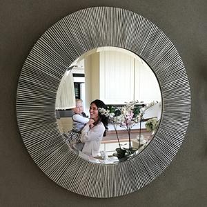 Ronde spiegels bij Usi Maison
