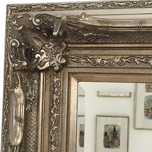 Grote barok spiegel brueghel in antiek zilver usi maison for Grote zilveren spiegel