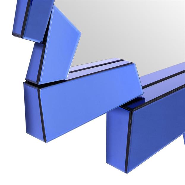 Design spiegel met blauwe lijst van glas